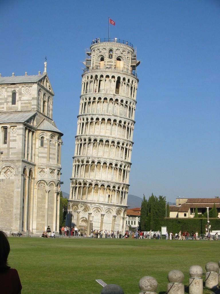 の 塔 なぜ 斜め ピサ 斜