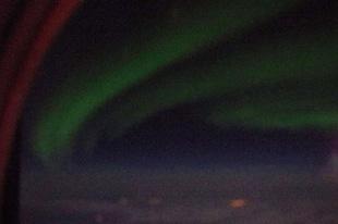 飛行機から見たオーロラ